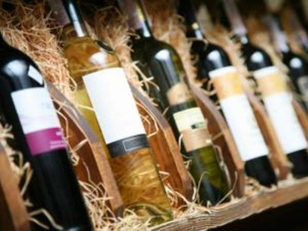 Чем полезно белое вино и как сделать его в домашних условиях