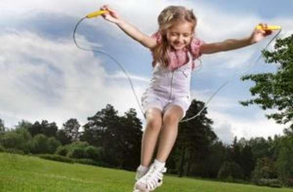 Скакалка: польза и вред, какие мышцы работают, упражнения, видео, отзывы