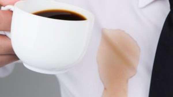 Чем отстирать кофе с белой одежды