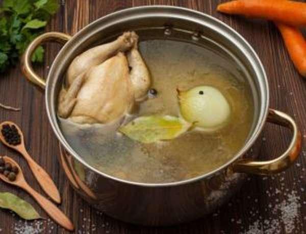Чем полезен куриный бульон, как и сколько его варить