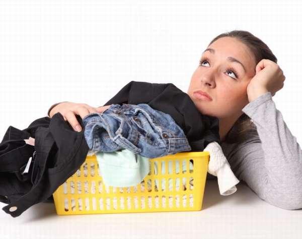 Чем вывести пятно от дезодоранта на черном и цветном