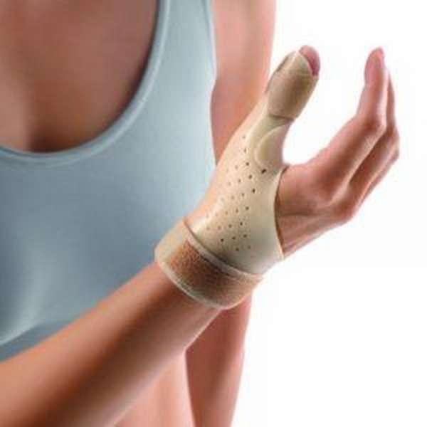 Опухло сухожилие указательного пальца