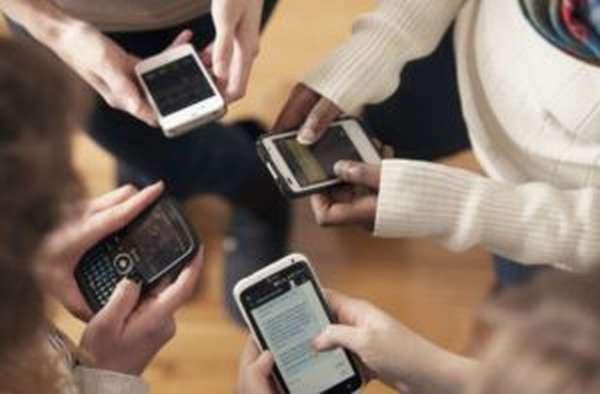 Чем опасны социальные сети и есть ли польза от них