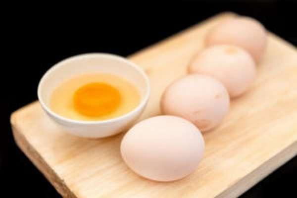 Полезны ли сырые яйца, калорийность, срок хранения, отзывы