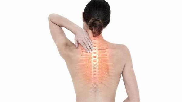 Жжение в спине в области лопаток: причины и лечение