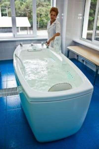 Чем полезны сероводородные ванны и как их принимать