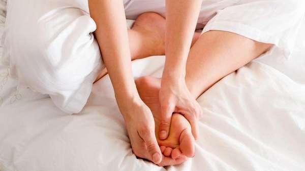 Боль в ступне при сгибании пальцев ног