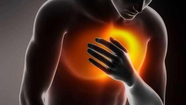 Боль в правой стороне грудной клетки: причины болевых ощущений в грудной клетке, симптоматика