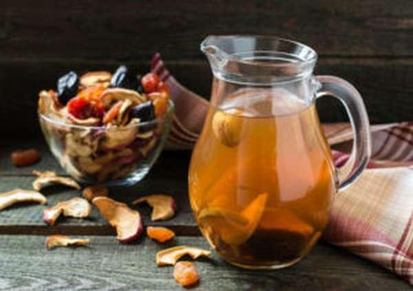 Чем полезны сушеные яблоки, калорийность, рецепт и хранение