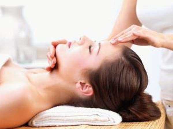 Чем полезен массаж головы, техники проведения, показания и противопоказания
