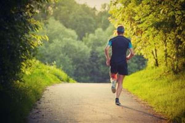 Чем полезен бег, как правильно бегать начинающим
