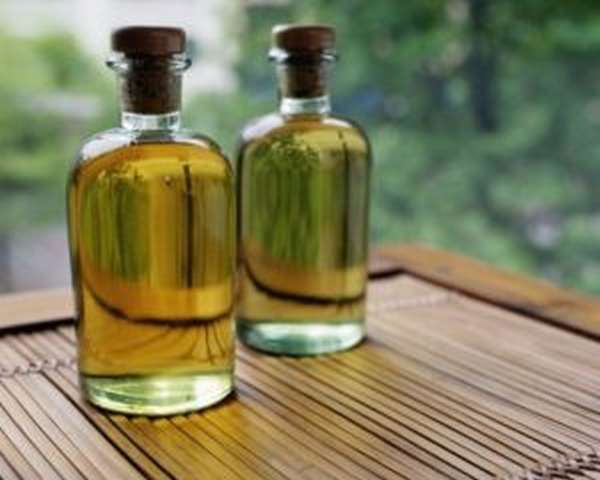 Чем полезно касторовое масло, инструкция по применению в домашних условиях