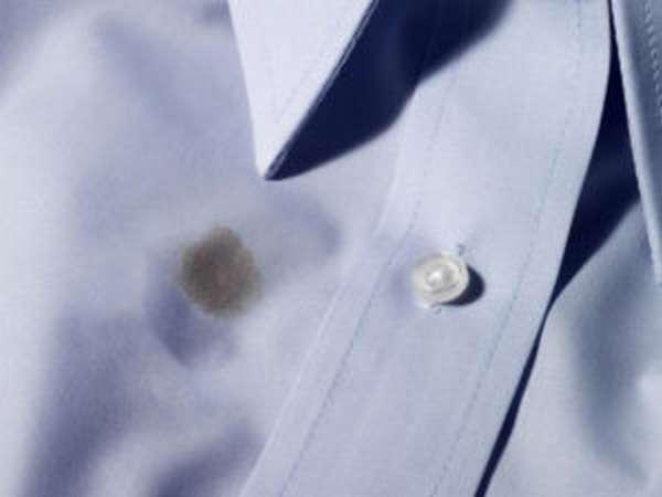 Чем вывести жирное пятно с одежды